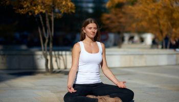 8 tygodniowy kurs MBLC (Mindfulness Based Living Course)