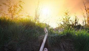 Płynąca z lasami: O ZMIANIE. ZIEMIA WIE, KIEDY RODZIĆ PLONY/Zdjęcie: Pinterest