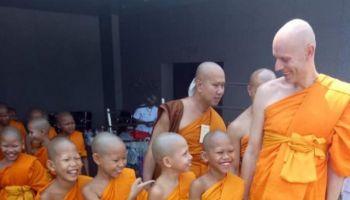 Z życia buddyjskiego mnicha Cezariusza Platty: Droga świadomego bycia