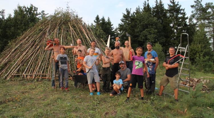 Budowniczowie Domu dla Kręgu Mężczyzn