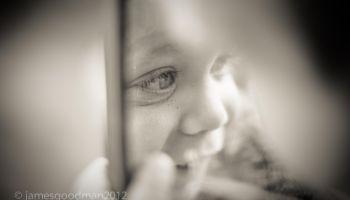 Dziecko w lustrze